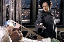Mini seri'den bir sahne ( Al Pacino ve Maryl Streep)