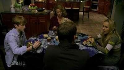 gergin aile yemeği ve ölümsüz mr. muggles.