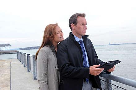 Jennifer Ehle (Anna), Patrick Wilson (Michael)
