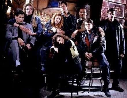 Thomas Calabro ve diğer Dream Street oyuncuları (Aktörümüz en solda)