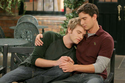 Diziye baya ses getiren eşcinsel çift Luke ve Noah