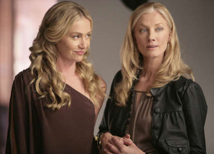 Portia de Rossi ve Joely Richardson