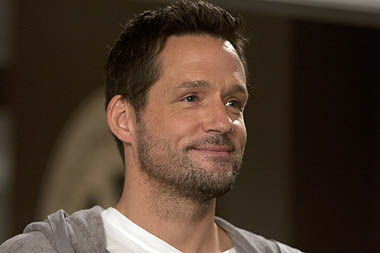 Grayson Ellis(Josh Hopkins)