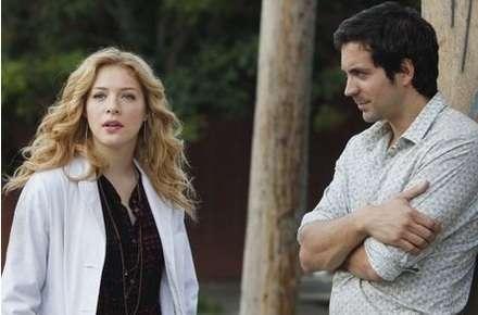 Anna'nın sahip olduğu kliniğin doktorlarından  Kate (Rachelle Lefevre) ve Zeke (Rhys Coiro)