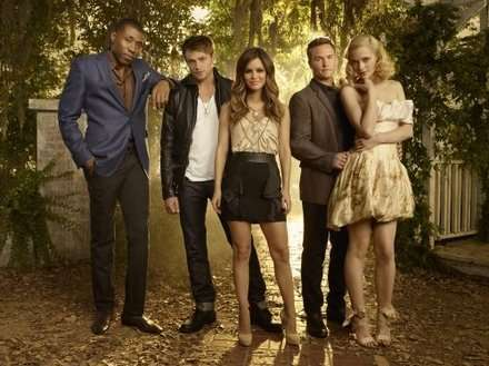 Soldan sağa:Cress Williams,Wilson Bethel,Rachel Bilson,Scott Porter ve Jaime King