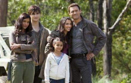 Soldan sağa: Shelley Conn, Landon Liboiron, Alana Mansour ,Naomi Scott ve Jason O'Mara